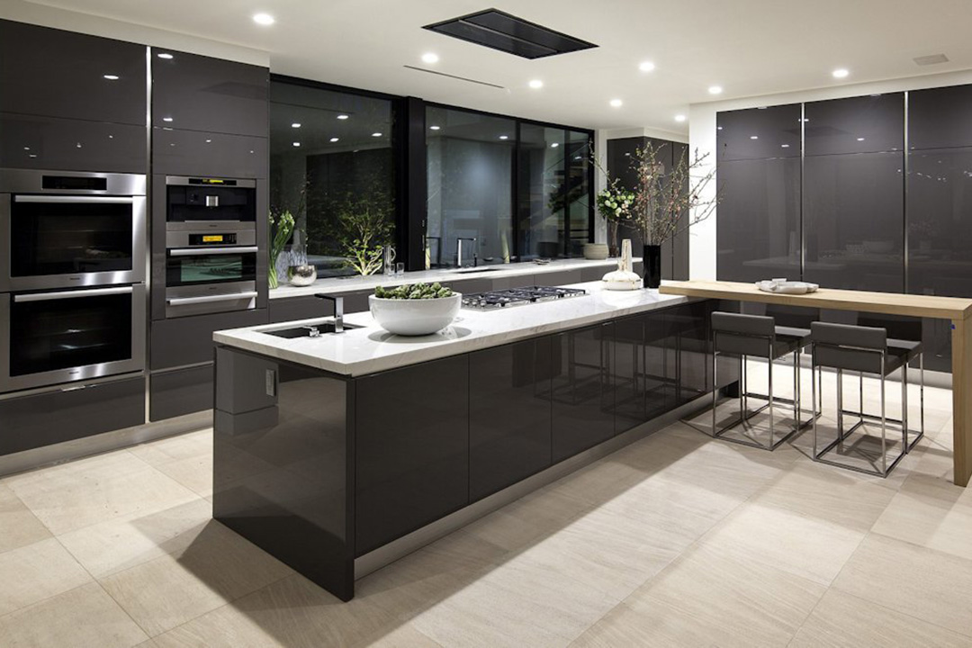 Modern Black Island Kitchen Design Interior Renovation