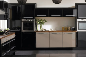 Black & White Modern Kitchen Cabinet Design
