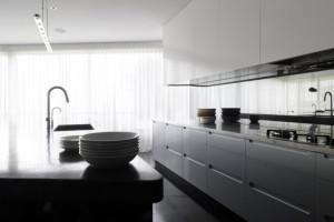 White Modern Kitchen Cabinet Design