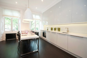 Solid White Modern Kitchen Cabinet Design