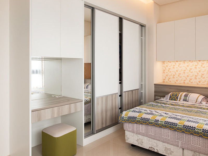 Bedroom wardrobe design services interior renovation for Sliding wardrobe interior designs