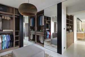 Custom Made Walk-in Concept Wardrobe 04